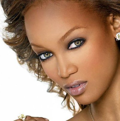Do you generalize all Black women who wear colored contact ... |Blue Contacts On Black People